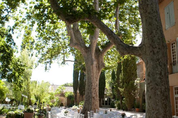 Roland Paix - Lieux d'évènements - Location Bastide Puget - Location lieux de mariage - Luberon