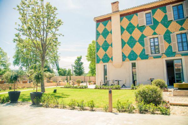 Roland Paix - Lieux d'évènements - Location Château St-Julien - Location lieux de mariage - Alpilles