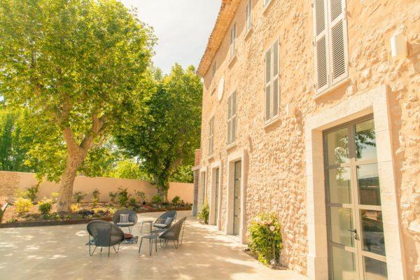 Roland Paix - Lieux d'évènements - Location Château St-Julien - Location lieux de mariage - Provence
