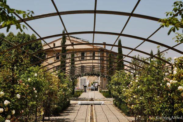 Roland Paix - Lieux d'évènements - Location Château St-Julien - Location lieux de mariage - Aix-en-Provence
