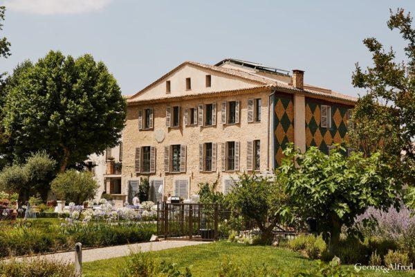 Roland Paix - Lieux d'évènements - Location Château St-Julien - Location lieux de mariage - Luberon