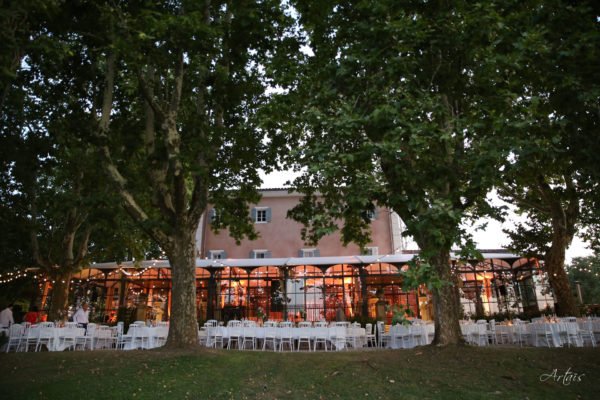 Roland Paix - Lieux d'évènements - Location Château de la Garde - Location lieux de mariage - Luberon